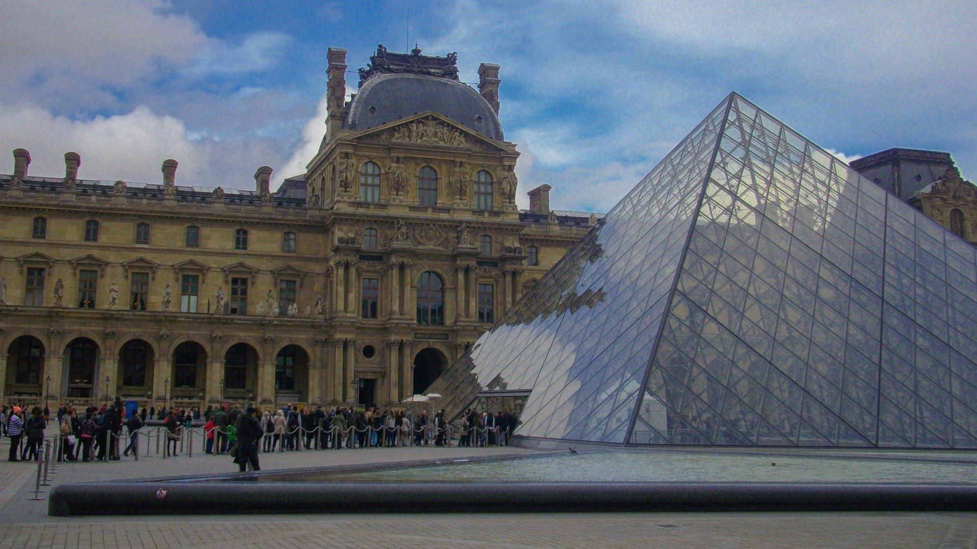 Top 5 Paris Hop On Hop Off Bus Amp Sightseeing Tours Hapakenya